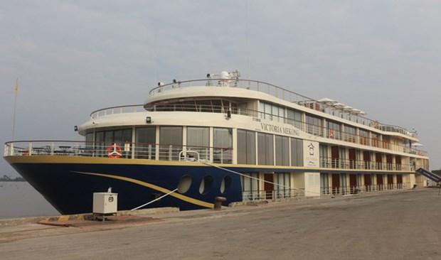 连接芹苴市和柬埔寨金边的豪华游轮正式投入运营 hinh anh 1
