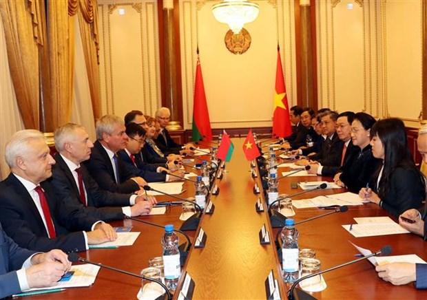 越南国会主席阮氏金银与白俄罗斯国民会议代表院主席举行会谈 hinh anh 3