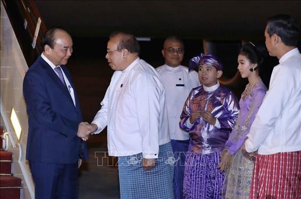 越南政府总理阮春福开始访缅之旅 hinh anh 1