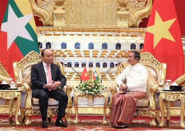 越南政府总理阮春福会见缅甸总统 hinh anh 2