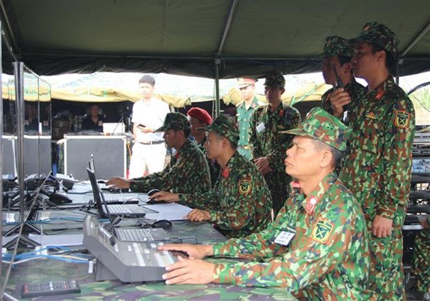 越柬两国国防部联合开展陆地边界地区搜救演习 hinh anh 2