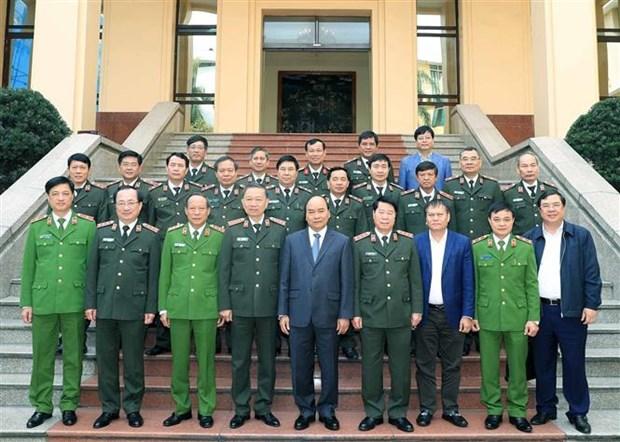政府总理阮春福出席中央公安党委会议 hinh anh 1