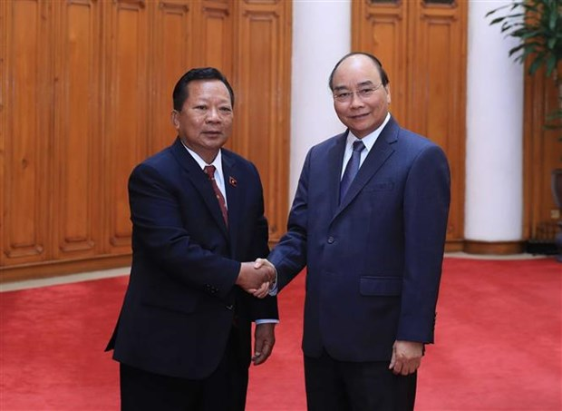 政府总理阮春福会见柬埔寨和老挝国防部长 hinh anh 3