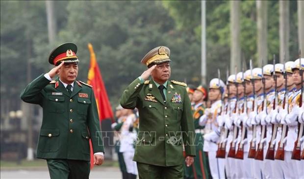 缅甸国防军总司令敏昂莱对越南进行正式访问 hinh anh 2