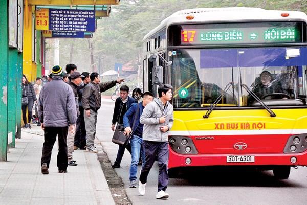 河内市要加快公交基础设施建设 提高公交车运营效率 hinh anh 1