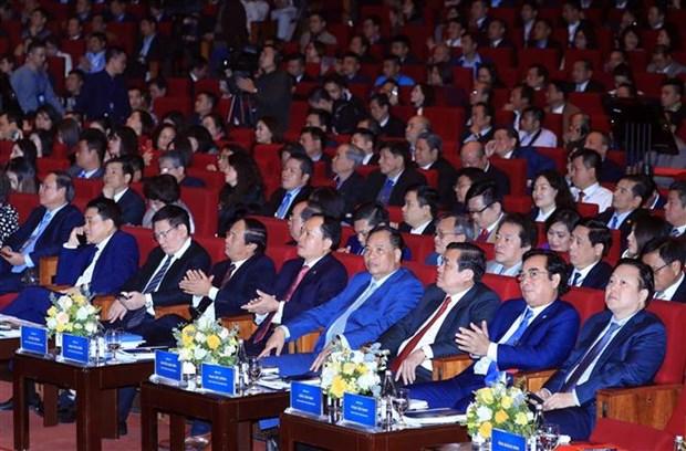 阮春福总理:政府与企业同行 hinh anh 3