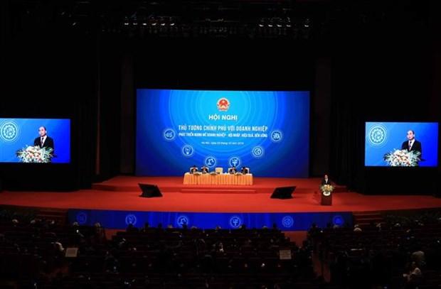 阮春福总理:政府与企业同行 hinh anh 1