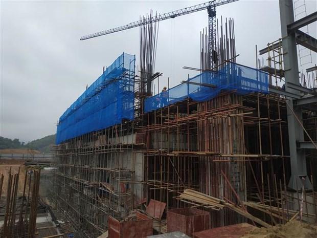 河内市领导视察越南最大垃圾焚烧发电厂项目进展情况 hinh anh 2