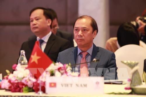 致力于一个长久凝聚共识的东盟:越南与2020年东盟轮值主席国任期(第四期) hinh anh 3