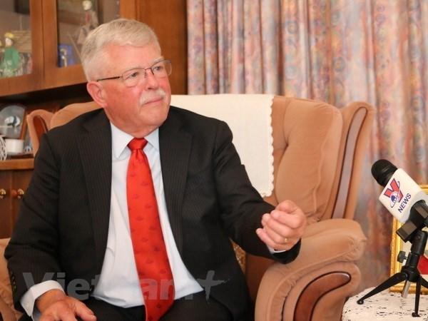 澳大利亚教授卡尔·塞耶高度评价越南的外交能力 hinh anh 1