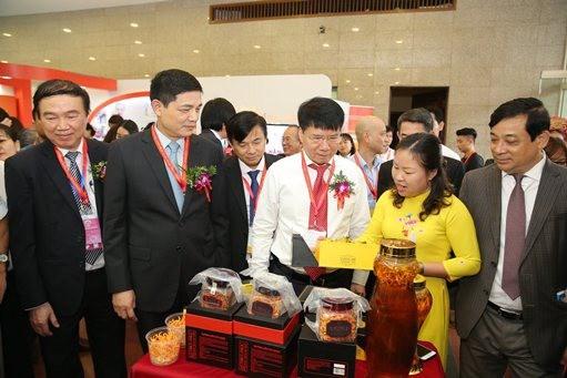 30个国家和地区的450家企业将参加2020年越南国际医药展览会 hinh anh 1