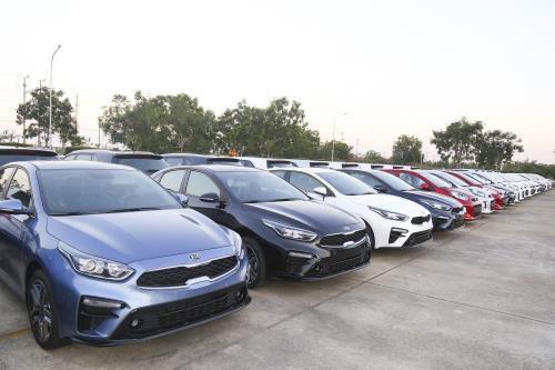 2020年THACO将向泰国和缅甸出口逾1000辆汽车 hinh anh 1