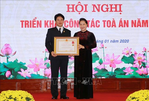 越南国会主席阮氏金银出席出席越南最高人民法院2020年工作部署会议 hinh anh 1