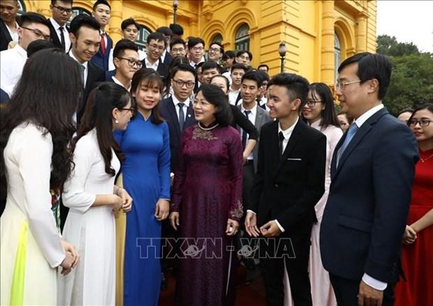 邓氏玉盛:年轻一代对越南的建国卫国事业做出重要贡献 hinh anh 1