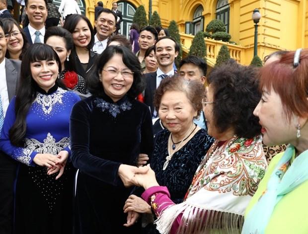 邓氏玉盛会见儿童保护基金会2019年主要赞助商 hinh anh 1