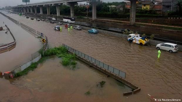 印尼水灾造成伤亡人员数量持续上升 hinh anh 1