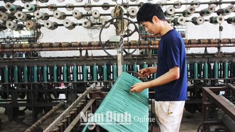 网具编织业为南定省人民提供数千个就业机会 hinh anh 1