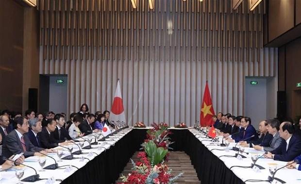 越南政府总理阮春福会见日本自由民主党秘书长、日越友好议员小组主席二阶俊博 hinh anh 2