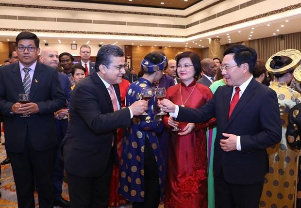 各国驻越外交使团见面会在首都河内举行 hinh anh 2