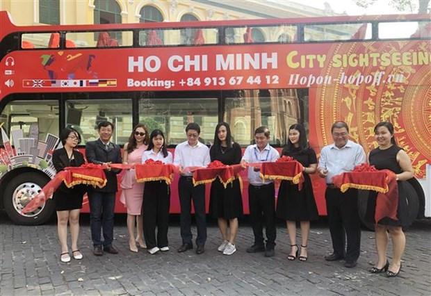 胡志明市观光巴士公交车线路正式开通 hinh anh 1