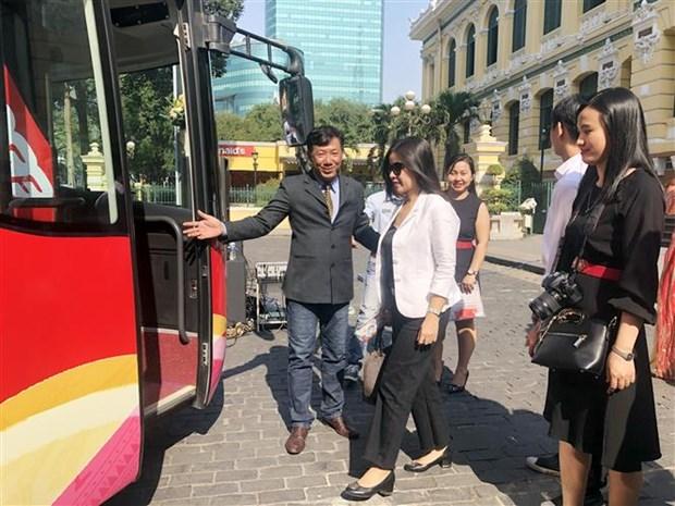 胡志明市观光巴士公交车线路正式开通 hinh anh 2