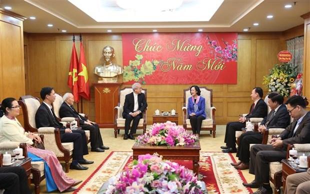 中央民运部部长张氏梅会见越南天主教团结委员会代表团 hinh anh 1