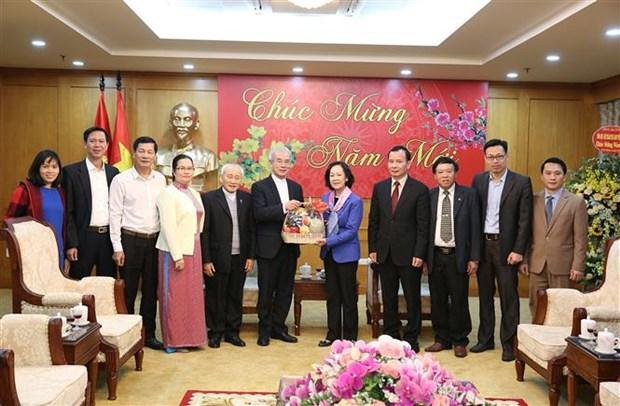 中央民运部部长张氏梅会见越南天主教团结委员会代表团 hinh anh 2