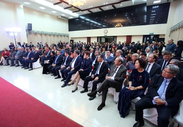 各国驻越外交使团、国际组织、非政府组织见面会在首都河内举行 hinh anh 4