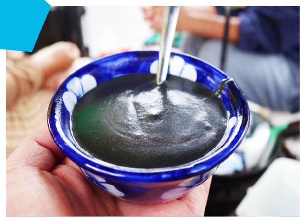 芝麻糊 会安古城的特色传统甜品 hinh anh 1