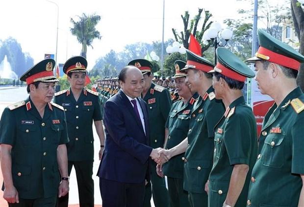 政府总理阮春福来到2号陆军军官学校调研 hinh anh 1