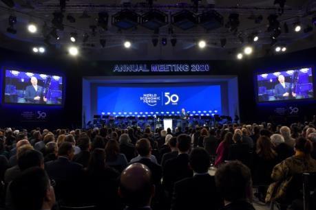 达沃斯世界经济论坛2020年年会开幕 越南高级代表团出席开幕式 hinh anh 1