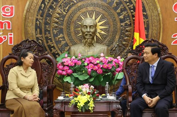 柬埔寨副首相梅森安春节之际率团走访越南隆安省 hinh anh 1
