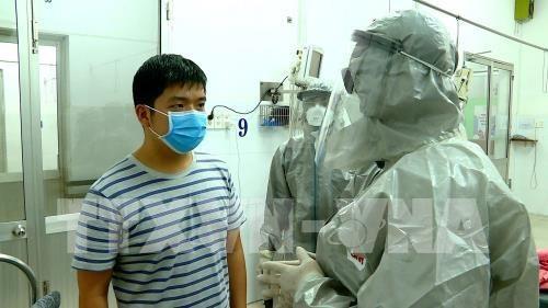 来自中国并在越南接受治疗的一名新型冠状病毒肺炎患者检测结果呈阴性 hinh anh 2
