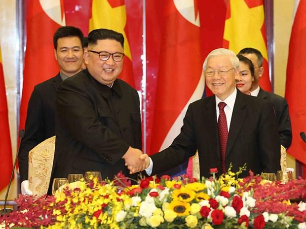 越南与朝鲜两国领导互致贺电庆祝两国建交70周年 hinh anh 1