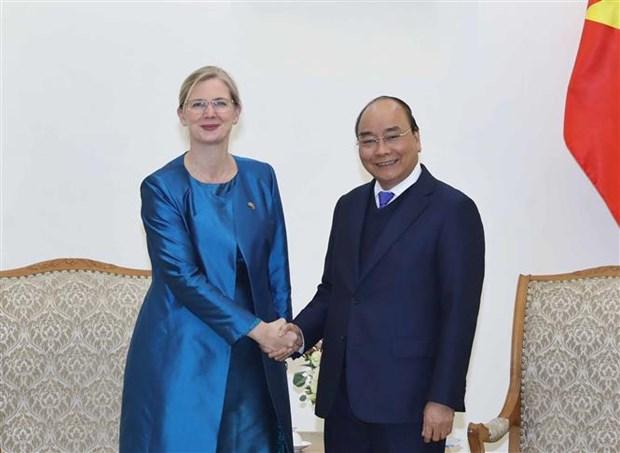 越南政府总理阮春福会见瑞典新任驻越大使 hinh anh 1