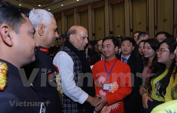 越南青年参加印度的国际交流活动 hinh anh 1