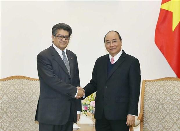 越南政府总理阮春福会见马来西亚和亚美利亚驻越大使 hinh anh 2