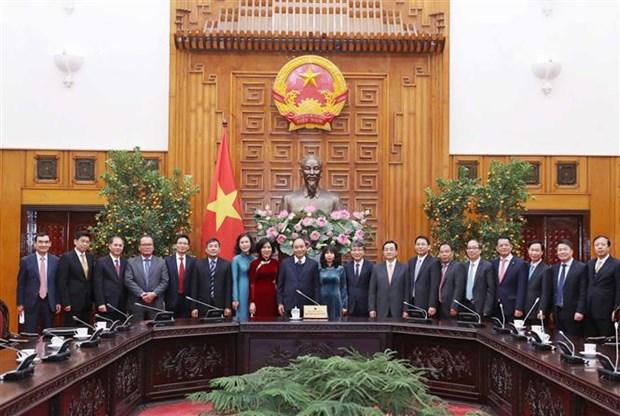 越南政府总理阮春福接见越南驻外大使和首席代表 hinh anh 1