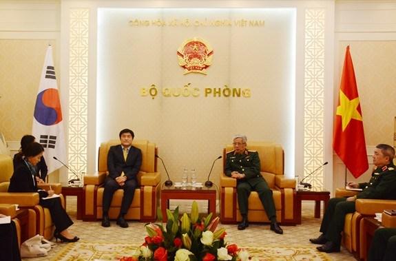 越南与韩国扩大战后重建合作 hinh anh 1