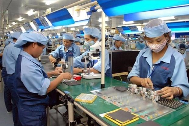 政府例行新闻发布会:采取措施来弥补经济增长下滑 hinh anh 2