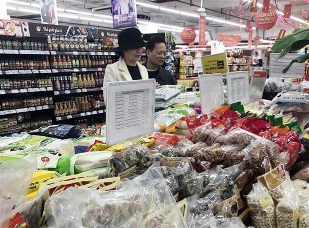 越南超市蔬果和食品供应量同比增长30-300% hinh anh 1