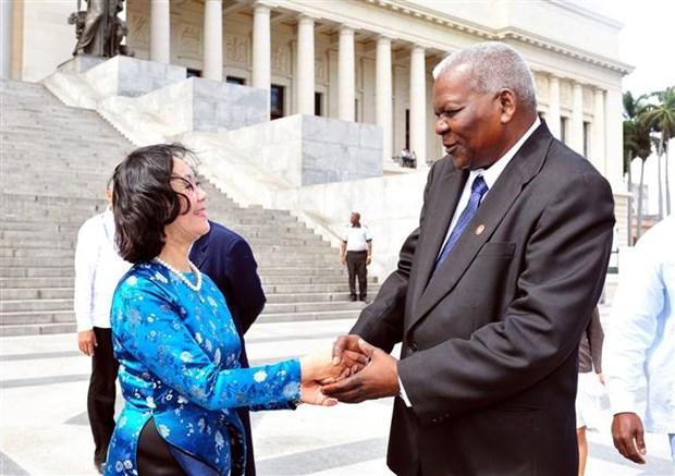 越南共产党高级代表团对古巴进行工作访问 hinh anh 1