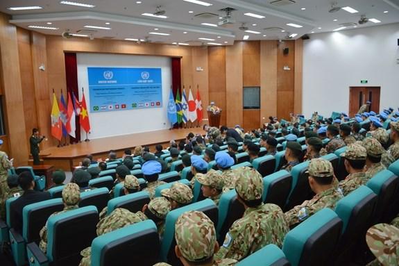 越南参加联合国维和行动:重型工兵装备运行讲师培训班正式开班 hinh anh 1