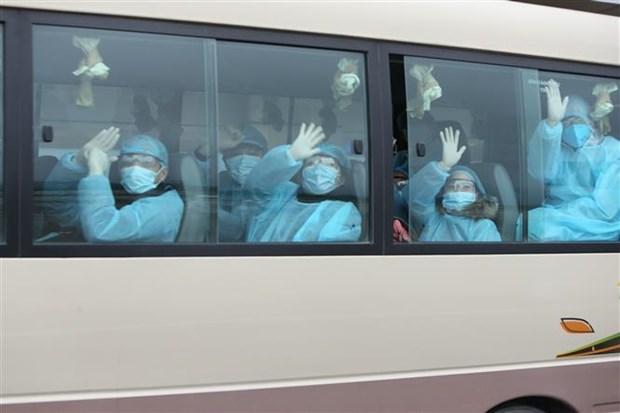 新冠肺炎疫情:30名越南公民安全回国 hinh anh 1
