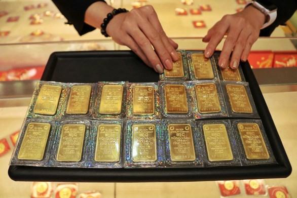 2月12日越南国内黄金价格涨跌互现 hinh anh 1