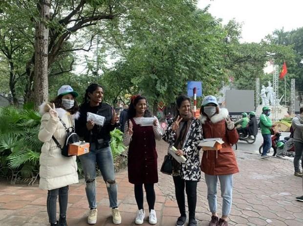 越南旅游:河内市接待游客人数逐渐恢复增长态势 hinh anh 1