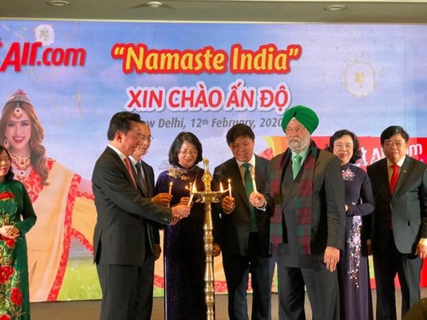 越捷航空努力征服逾13亿人口的印度市场 hinh anh 1