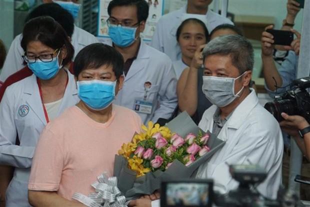 新冠肺炎疫情:在越南确诊患有新冠肺炎的第二名中国人治愈出院 hinh anh 1