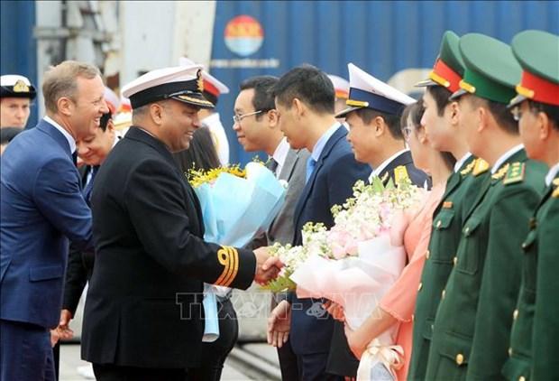 """英国皇家海军""""企业号""""海军测量船访问越南海防市 hinh anh 1"""