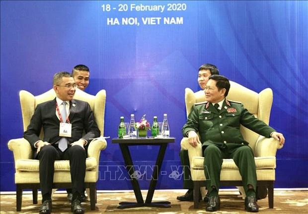东盟国防部长非正式会议框架内:促进越南和泰国之间的防务合作 hinh anh 1